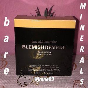 bare Minerals Blemish Remedy Foundation